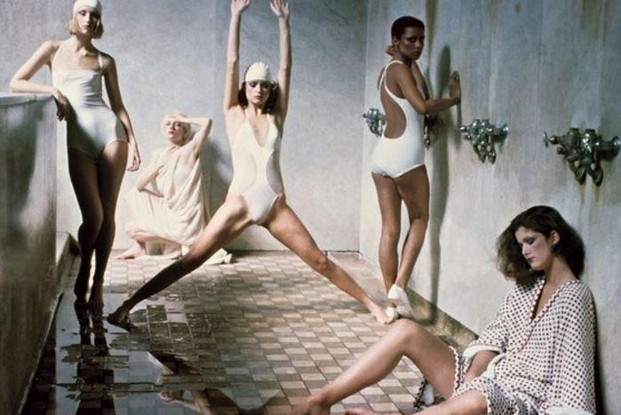 socrates-women-in-bath-houses